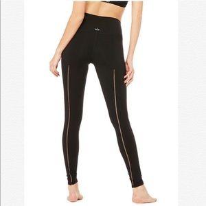 Alo Yoga High waisted Dash Leggings. Black. XXS.